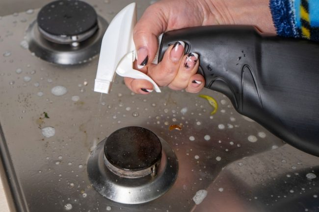 how to clean gas top stove